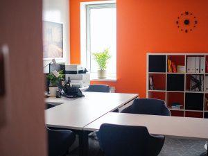 bright-orange-office-design